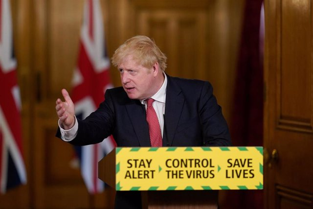 Boris Johnson en una rueda de prensa sobre el coronavirus en Londres