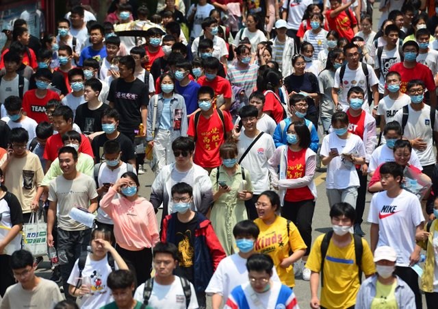 Coronavirus.- China informa de 68 nuevos casos de coronavirus, la mayoría de tra