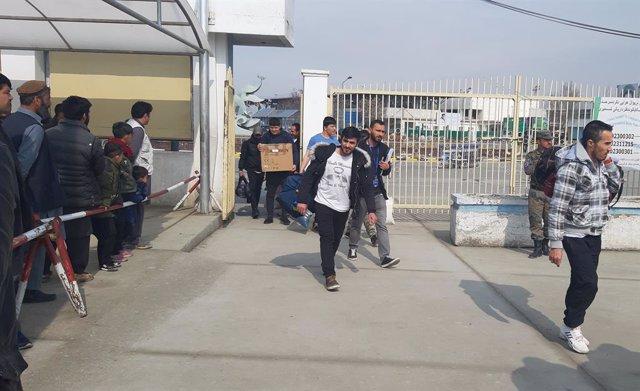 Afganistán.- Más de 400.000 afganos han regresado a su país desde Irán en el pri