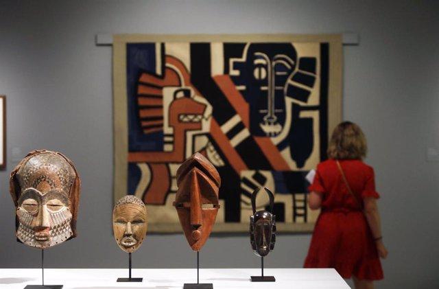 La exposición 'Máscaras. Metamorfosis de la identidad moderna' en el Museo Carmen Thyssen de Málaga.