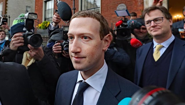 FILED - 04 February 2019, Ireland, Dublin: Facebook CEO Mark Zuckerberg leaves the Merrion Hotel after his meeting with Irish politicians to discuss the regulation of social media and harmful content. Zuckerberg defended the company's cryptocurrency proje