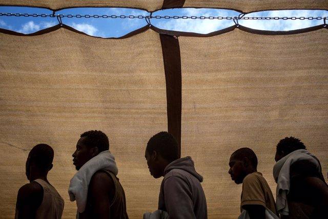 África.- ACNUR alerta del peligro de las minas antipersona para desplazados y re