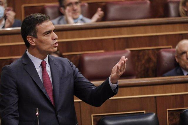 El Presidente del Gobierno, Pedro Sánchez, interviene en la penúltima sesión plenaria en el Congreso de los Diputados