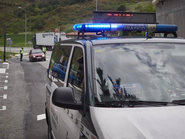 Un vehículo de la Guardia Civil de Tráfico.