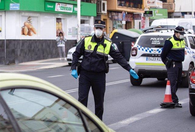 Agentes de la Policía Local de Huelva.