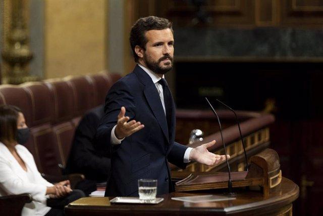 El presidente del PP, interviene desde la tribuna en una sesión plenaria en el Congreso, en Madrid (España), a 29 de julio de 2020.