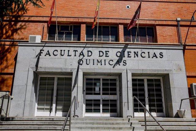 Entrada a la Facultad de Ciencias Químicas de la Universidad Complutense de Madrid -UCM-.