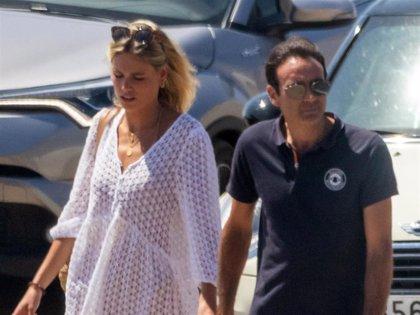 Enrique Ponce se mete de lleno en el grupo de amigos de Ana Soria