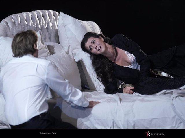 Lissette Oropesa en el tercer acto de 'La Traviata' en el Teatro Real