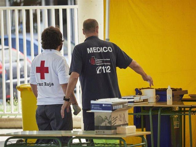 Médicos y voluntarios