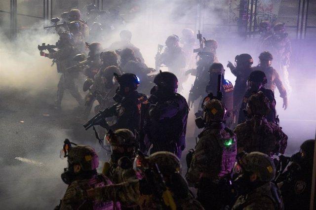 Agentes federales desplegados en Portland en el marco de las protestas raciales
