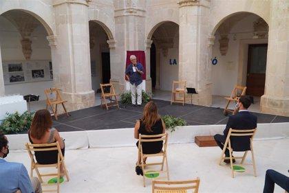 Armengol asiste al acto de homenaje a las víctimas de la COVID-19 en Menorca