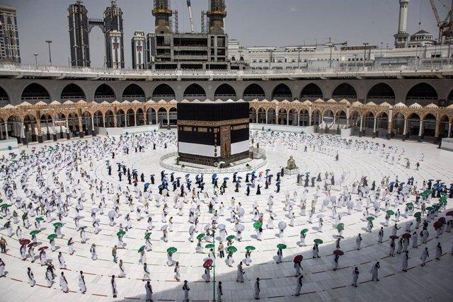 A.Saudí.- Arranca la peregrinación a La Meca entre importantes restricciones a c