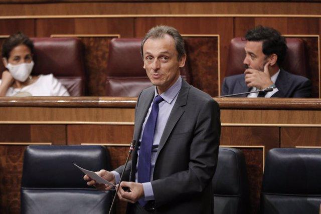 El ministro de Ciencia e Innovación, Pedro Duque, interviene durante la penúltima sesión plenaria en el Congreso de los Diputados antes del paréntesis estival, en Madrid (España), a 22 de julio de 2020. El pleno, aborda, entre otros temas, las medidas de