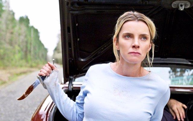 """Betty Gilpin protagoniza el brutal thriller La Caza: """"Ya no hay películas así ni personajes como este"""""""