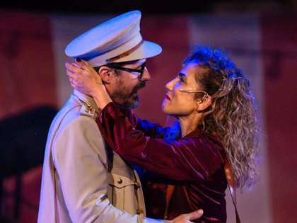 Toni Acosta, emocionada al volver a subirse a un escenario