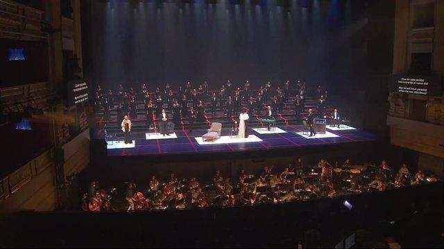 Ensayo general de 'La Traviata' en el Teatro Real, la primera ópera semiescenificada en el mundo postconfinamiento.