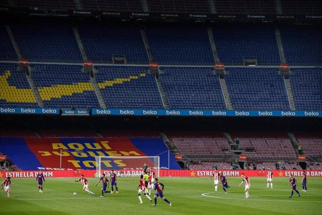 Fútbol.- El Barcelona-Nápoles se mantiene en el Camp Nou pese los rebrotes de co