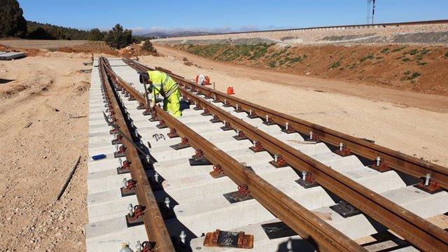 Se ha iniciado ya la sustitución de traviesas en la zona de Teruel
