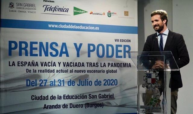 El presidente del PP, Pablo Casado, durante su intervencion en la VIII edición del curso de verano 'Prensa y Poder' en Aranda de Duero (Burgos).