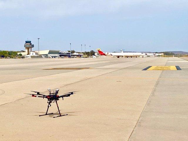 Un dron en el Aeropuerto de Almería