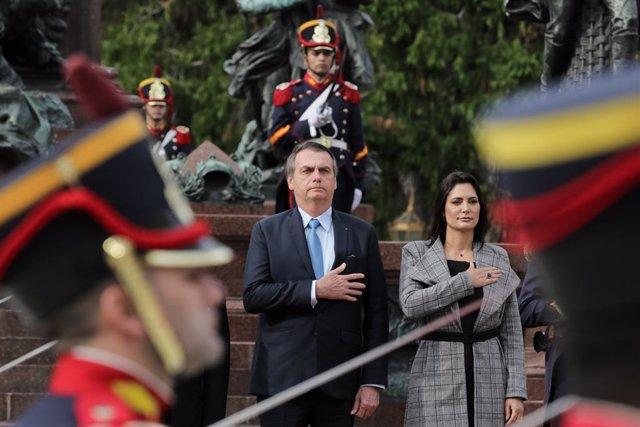 Coronavirus.- La esposa de Bolsonaro da positivo por coronavirus