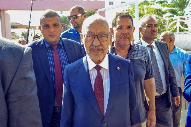 Túnez.- El presidente del Parlamento de Túnez supera una moción de censura en me