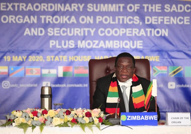 Coronavirus.- Zimbabue confirma que el ministro de Agricultura falleció a causa
