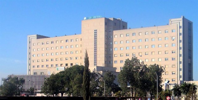 Fachada del Hospital de Valme en Sevilla