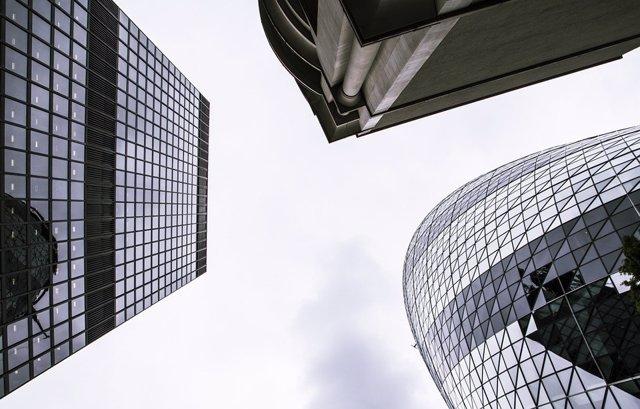R.Unido/Italia.- La Bolsa de Londres estudia deshacerse de la de Milán para aseg