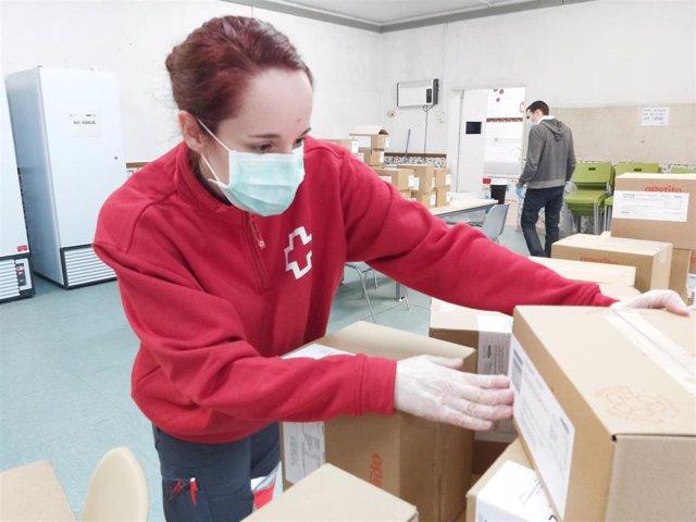 Voluntaria de Creu Roja (Archivo)