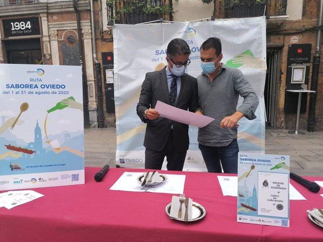 El concejal del Ayuntamiento de Oviedo, Gerardo Antuña, y el presidente de la Junta local Otea Oviedo, David González Codón.