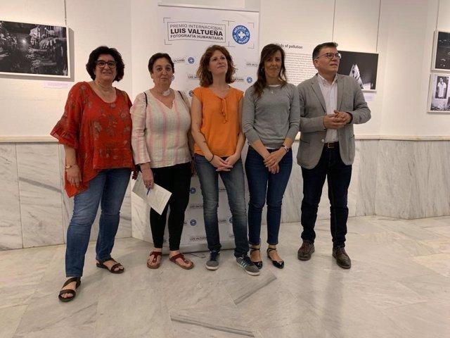 """Inauguración de la la exposición """"XXII Premio de Fotografía Humanitaria Luis Valtueña"""" organizada por la ONG Médicos Mundi"""