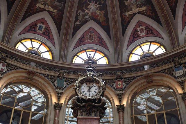Interior del Palacio de la Bolsa de Madrid (España).