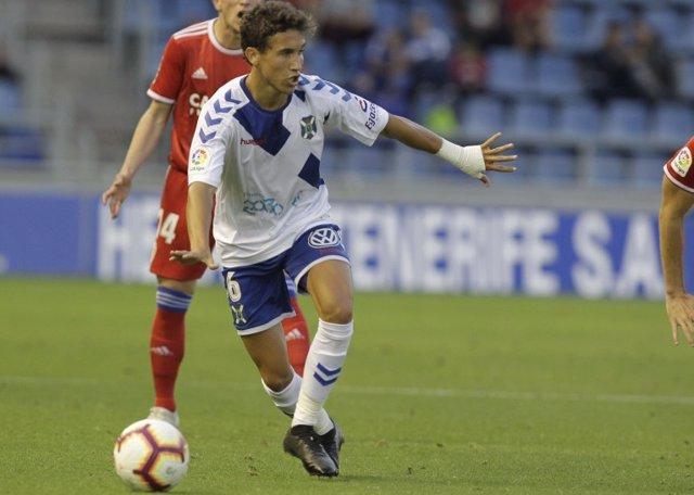 Luis Milla, durante un partido con el CD Tenerife.