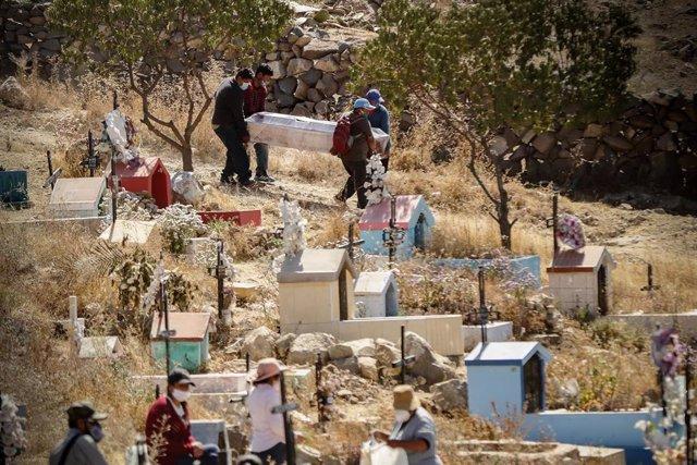 Cementerio de Arequipa durante la pandemia de coronavirus en Perú
