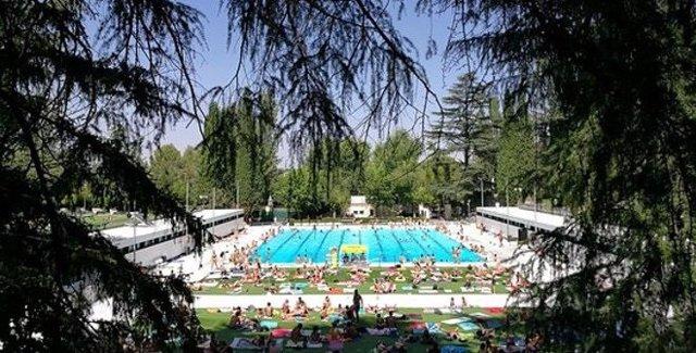 Imagen de la piscina central El Lago de Casa de Campo.