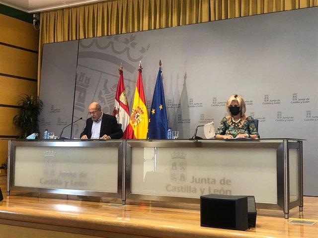 Igea y Casado en la rueda de prensa tras el Consejo de Gobierno.