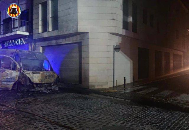 Furgoneta incendiada en Catarroja