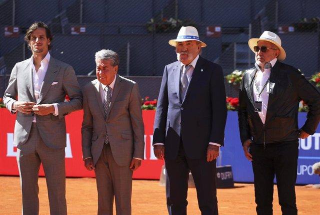 Feliciano López, Manolo Santana y Ion Tiriac en el Mutua Madrid Open 2019