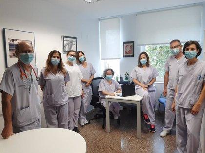 El Hospital Clínico de València implanta un programa de consultas para tratar el síndrome post-UCI