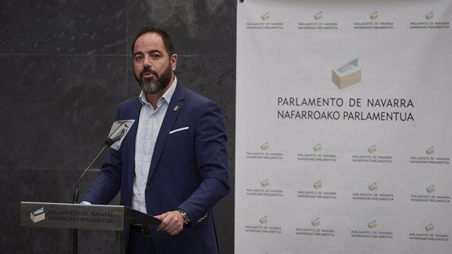 El portavoz del PSN, Ramón Alzórriz