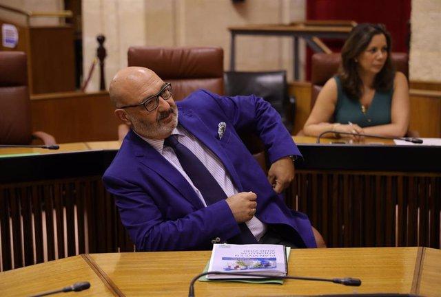 El portavoz del grupo parlamentario Vox, Alejandro Hernández, en una foto de archivo