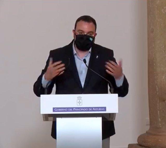 El presidente asturiano Adrián barbón en su intervención.