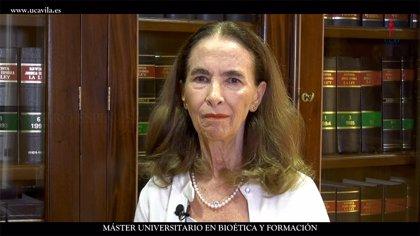 La presidenta de la Asociación Pro Eutanasia de México defiende cuidados paliativos en la UCAV