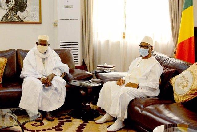 Encuentro del presidente de Malí, Ibrahim Boubacar Keita, con el imán Mahmud Dicko