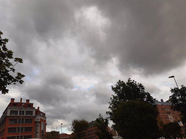 Cielos muy nubosos en Bizkaia