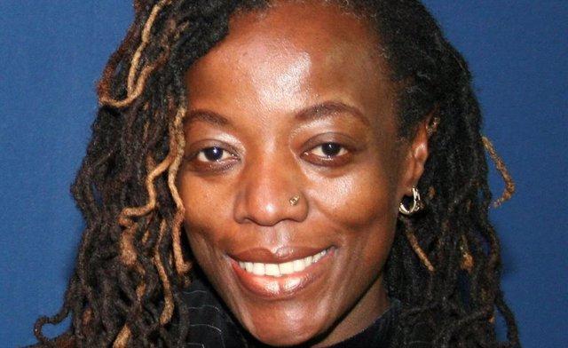 AMPL. Zimbabue.- Detenida durante una protesta en Zimbabue la escritora Tsitsi D
