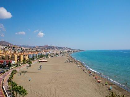 Muere ahogado un bañista en una playa de Rincón de la Victoria (Málaga)