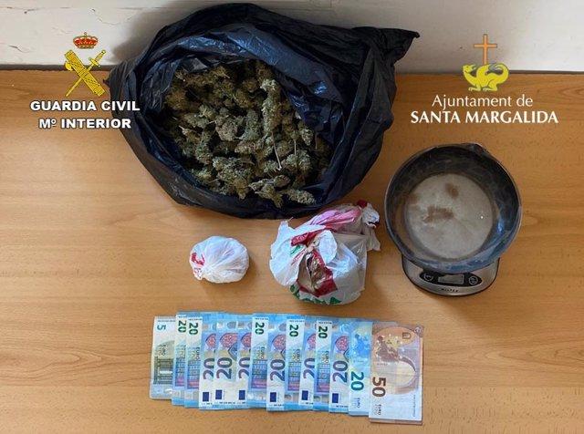 Bolsa incautada al detenido en Can Picafort.